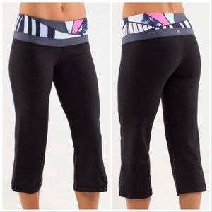 Lululemon deep grove crop capri